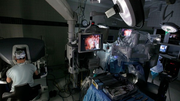 Robotic Surgeries Kill People, But Don't Freak Out Yet