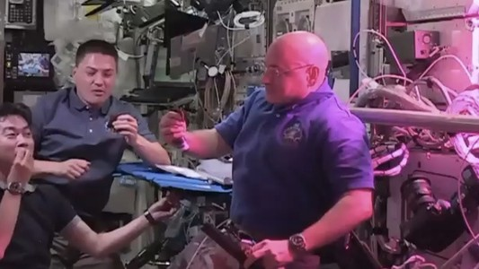 Astronauts Dine on the First 100% Space-Grown Food