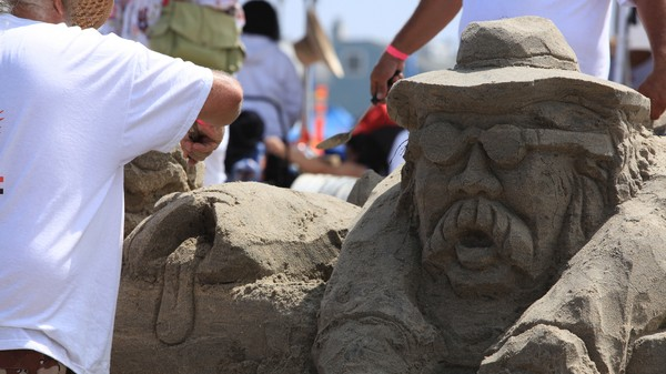 How to Build the Perfect Sandcastle, According to a Physicist