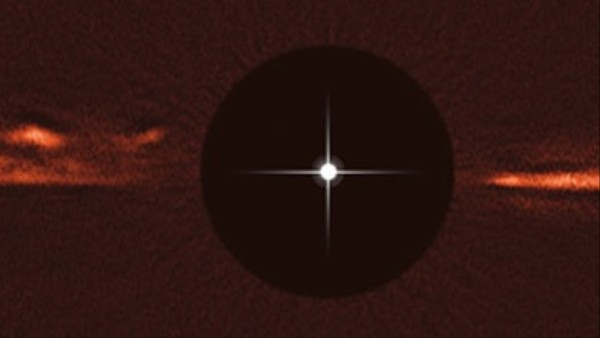 Astronomers Detect Speeding Mystery Waves in the Debris Disc of a Nearby Star