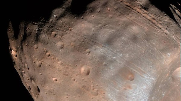 Mars's Largest Moon Is Slowly Being Torn Apart