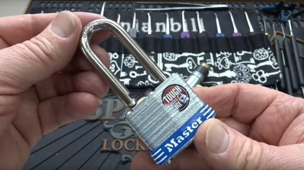 It Takes About 5 Seconds to Pick This Master Lock
