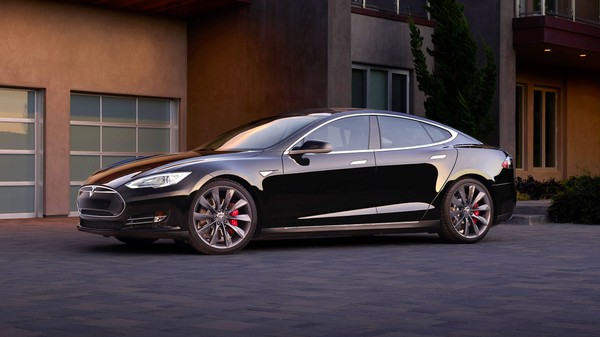 You Can Now 'Summon' The Tesla Model S Like An Obedient Pet
