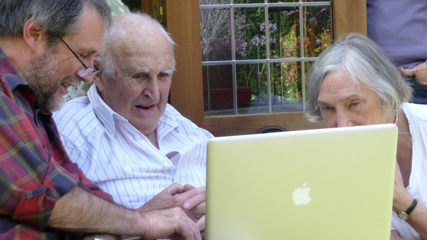 Facebook Is Becoming a Chatroom for Senior Citizens