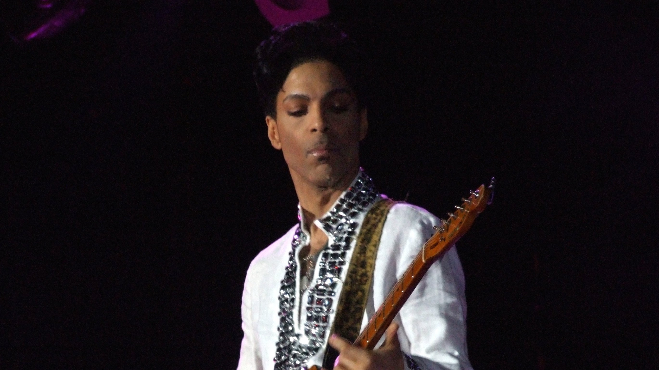 Pirates Are Posting Prince's Music to An Obscure Corner of the Internet