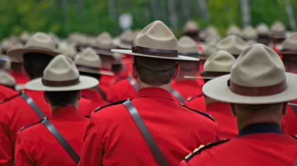 What Happens When Canadian Cops Find a Software Security Flaw?