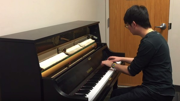 This Virtuoso Makes Every Annoying Ringtone Beautiful on a Piano