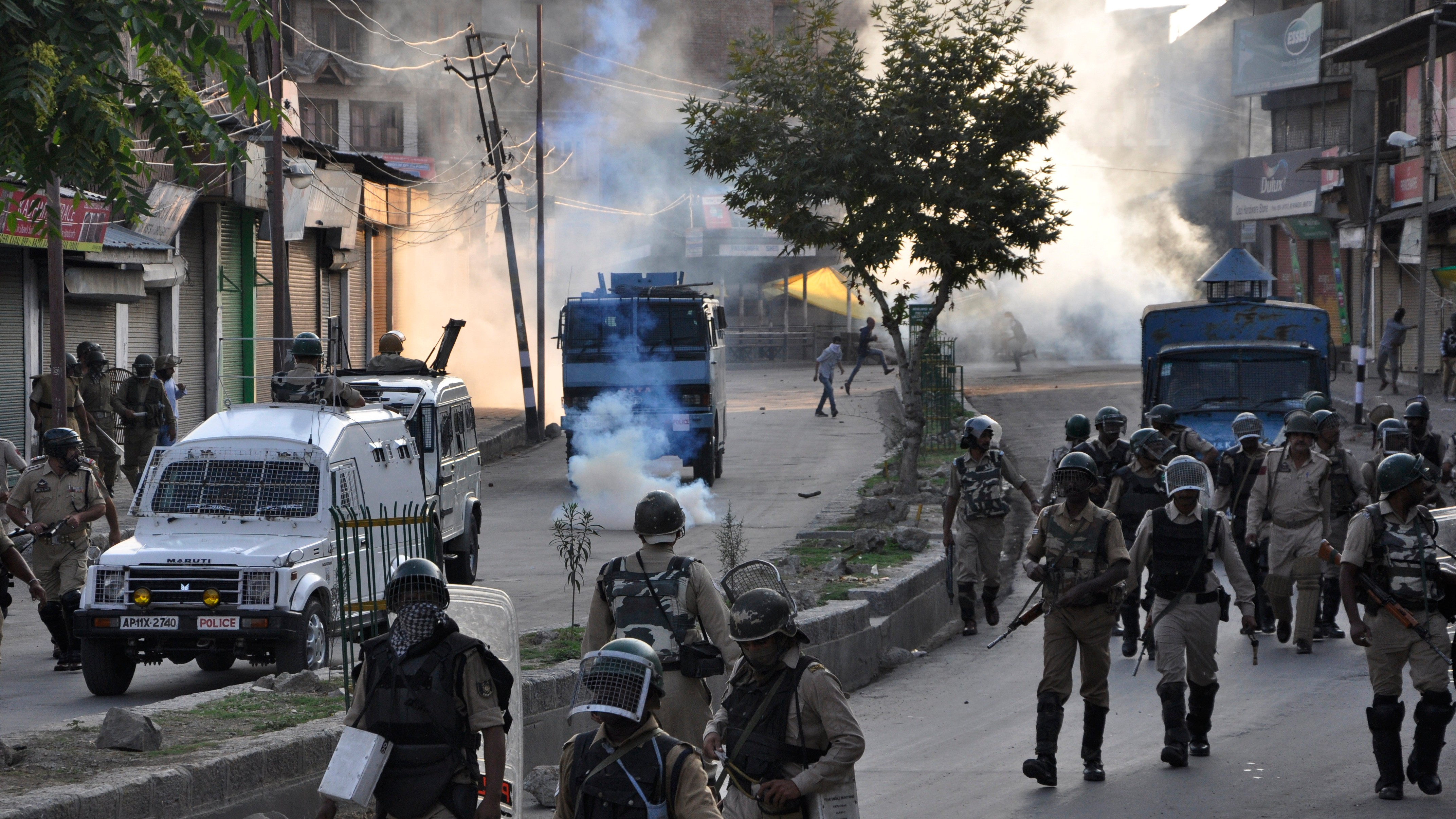 Two Months of Internet Blackouts Have Taken a Toll on Kashmir