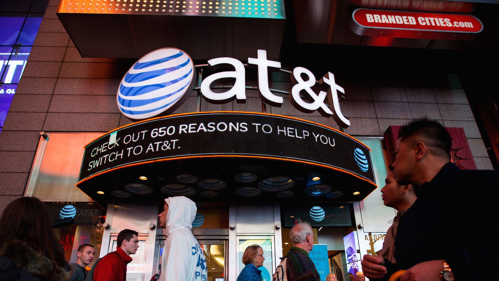 AT&T Set to Rack Up Massive Debt as Time Warner CEO Hits the Jackpot