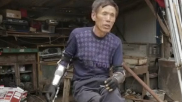 This Chinese Amputee Builds DIY Prosthetics to Give People Back Their Hands