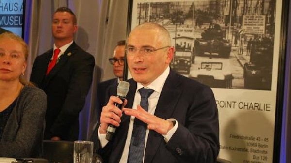 Mikhail Khodorkovsky Looks Forward to Freeing Political Prisoners, Checking Out Twitter