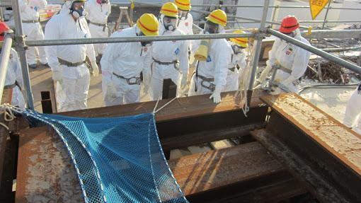 The Japanese Mob Is Hiring Homeless People to Clean Up Fukushima