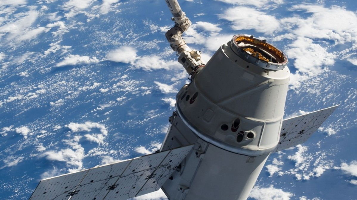 Can Commercial Space Flights Handle NASA's New Wave of Supply Contracts?