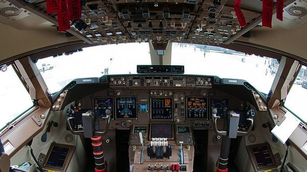 Pilots Are Wearing Google Glass Now