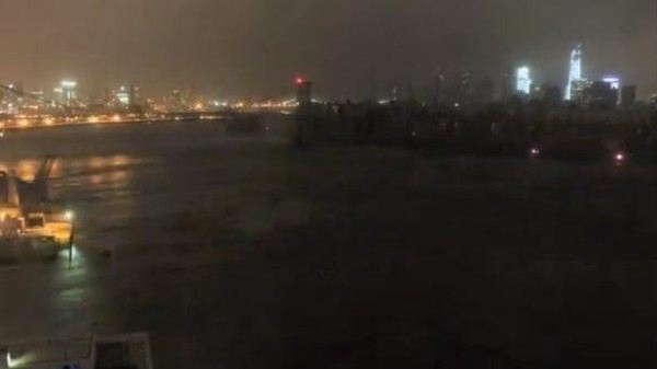 Watch a Time-Lapse Video of Sandy Shutting New York City Down