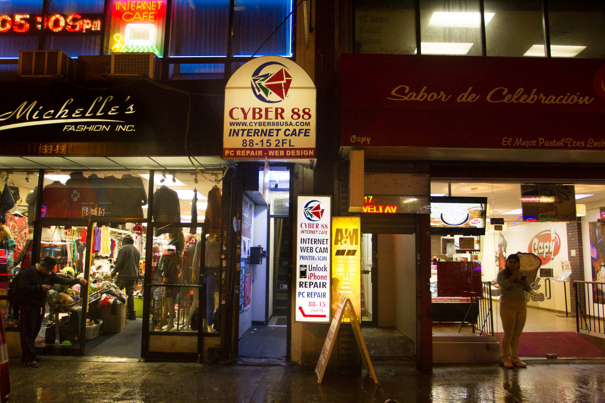 The Internet Cafe Is Alive In Queens