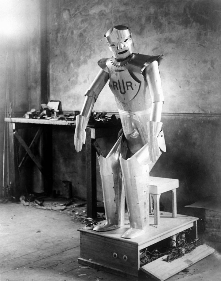 The Sad Story of Eric, the UK's First Robot Who Was Loved Then Forsaken