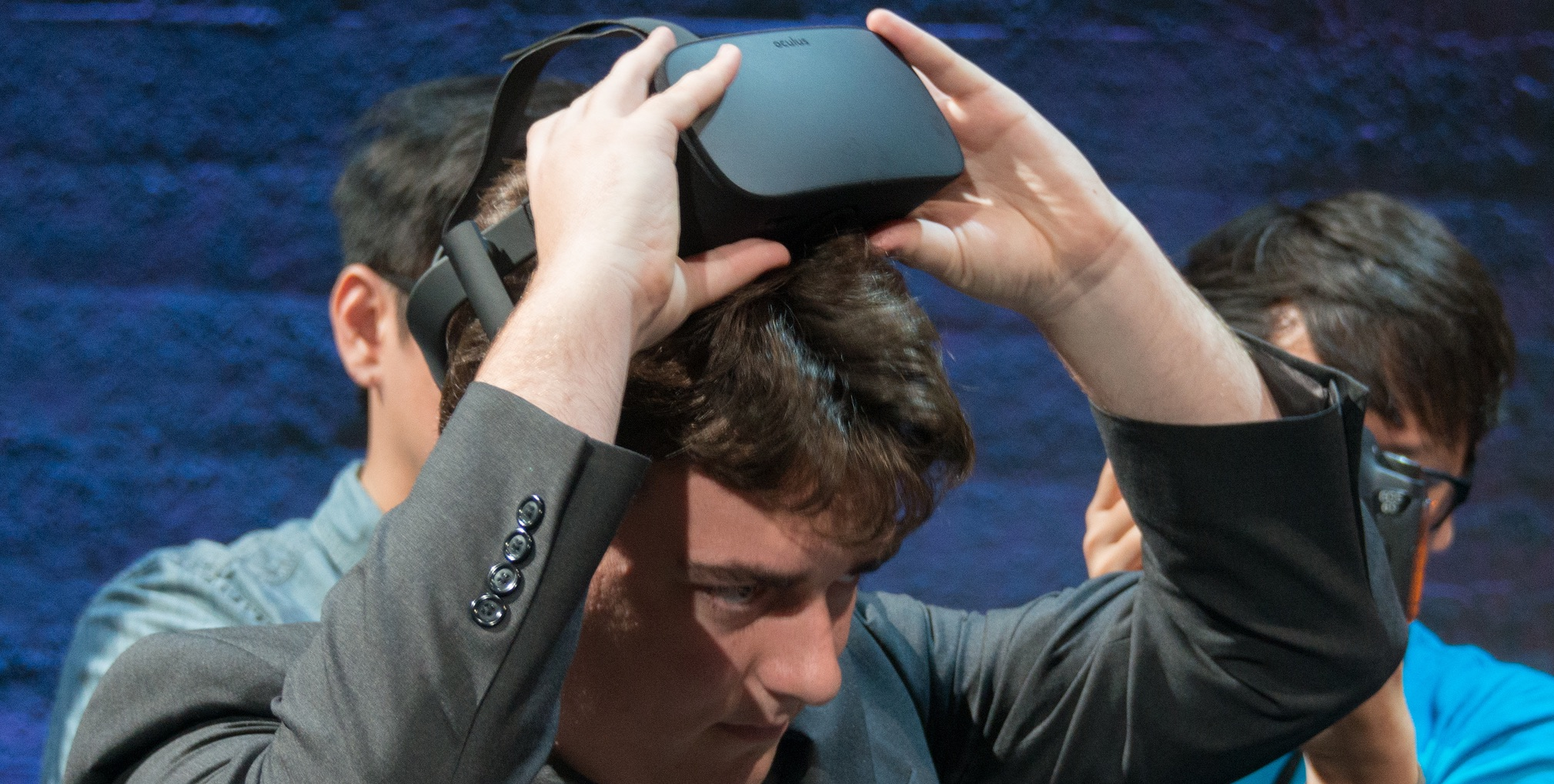 Oculus DRM Kills Hack That Allows Games On Other Headsets (motherboard.vice.com)