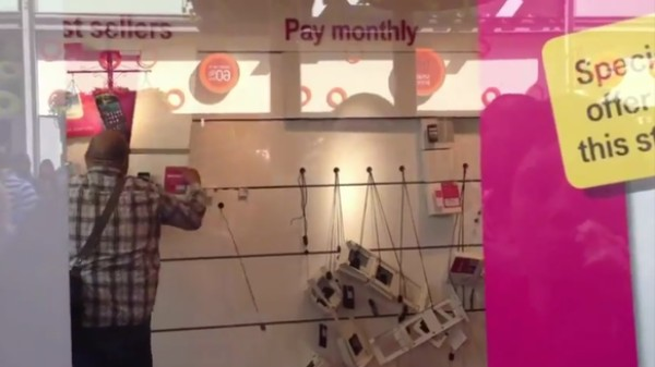 Angry Man, a Potential Lover of Street Justice, Destroys T-Mobile Store