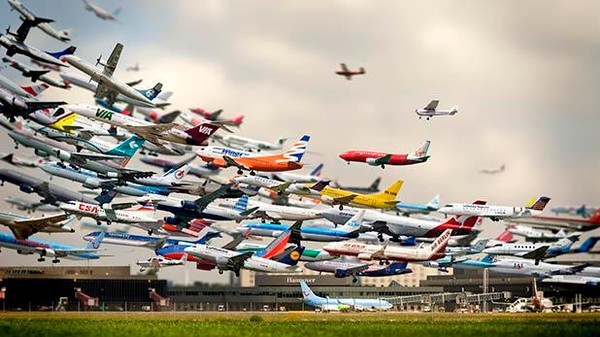 5 Hours of Takeoffs in 30 Seconds And Other Airplane Ballets