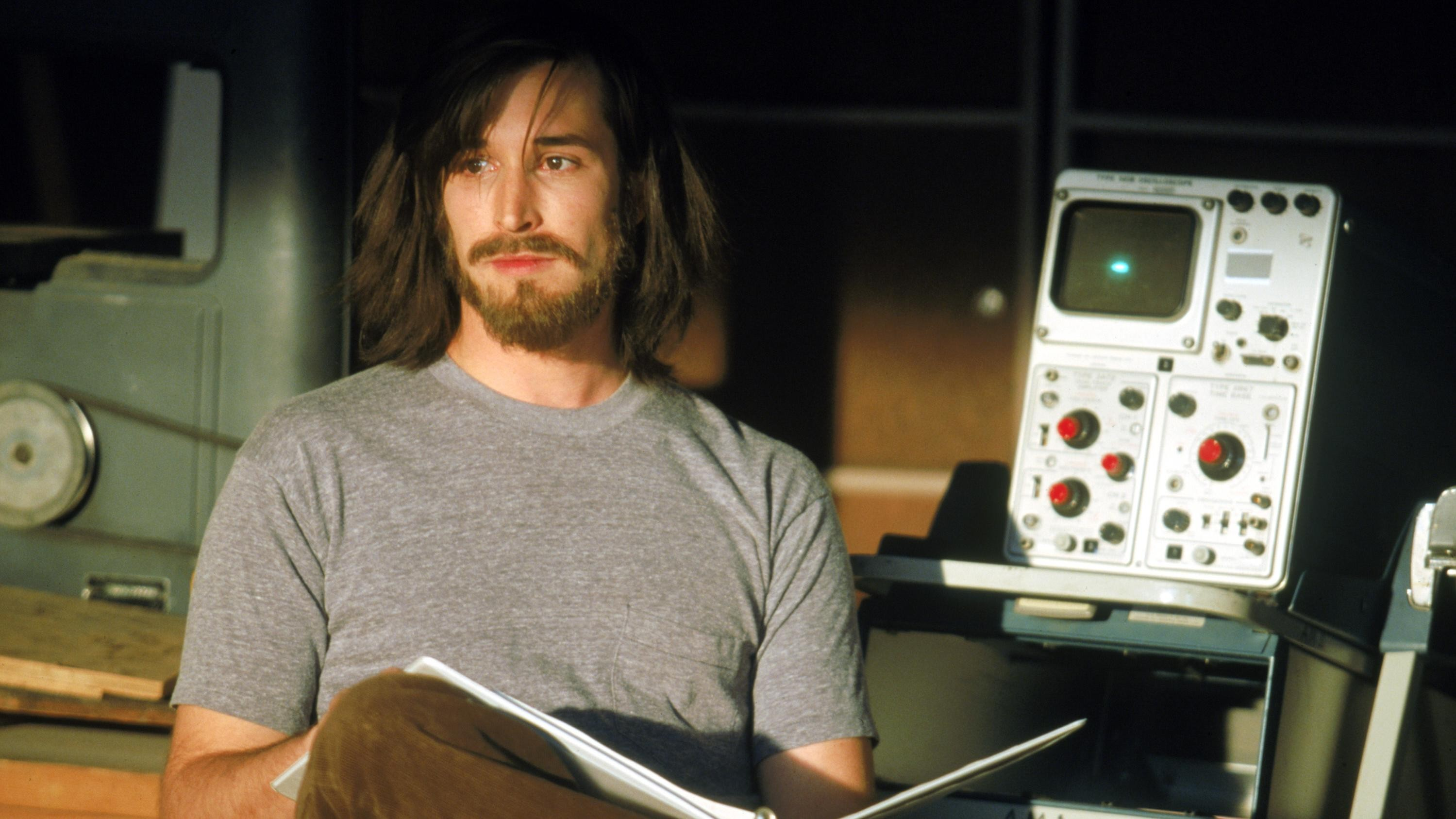 That Time Noah Wyle Helped Steve Jobs Invent the iPad
