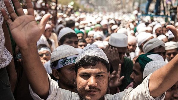 To Curry Political Favor, Islamists in Bangladesh Want Atheist Bloggers to Die