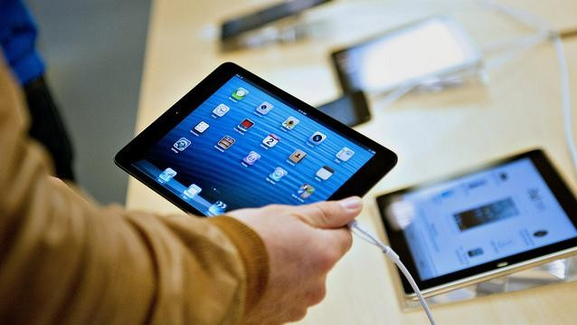 One-Fifth of America Is Cutting Out Other Christmas Presents to Buy iPads